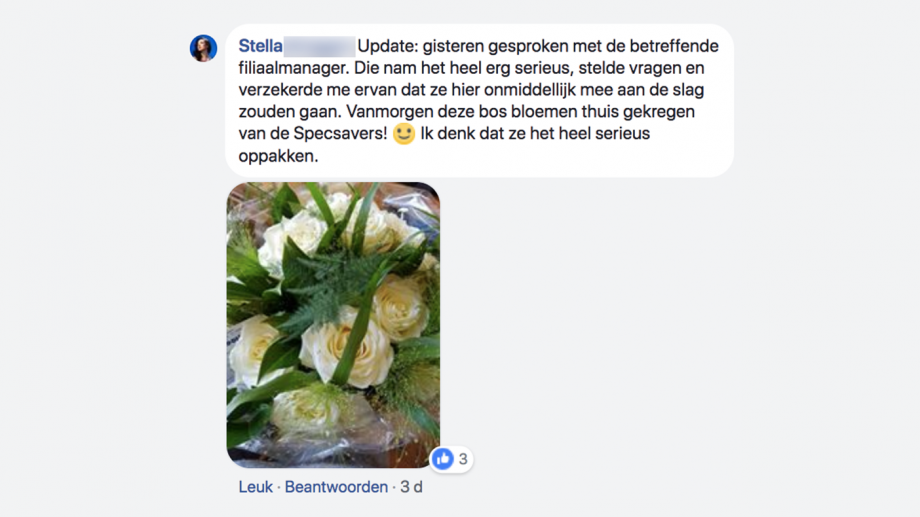 Stella krijgt bloemetje van Specsavers