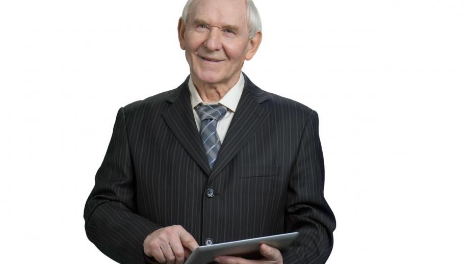 Voor een baan swipende senior