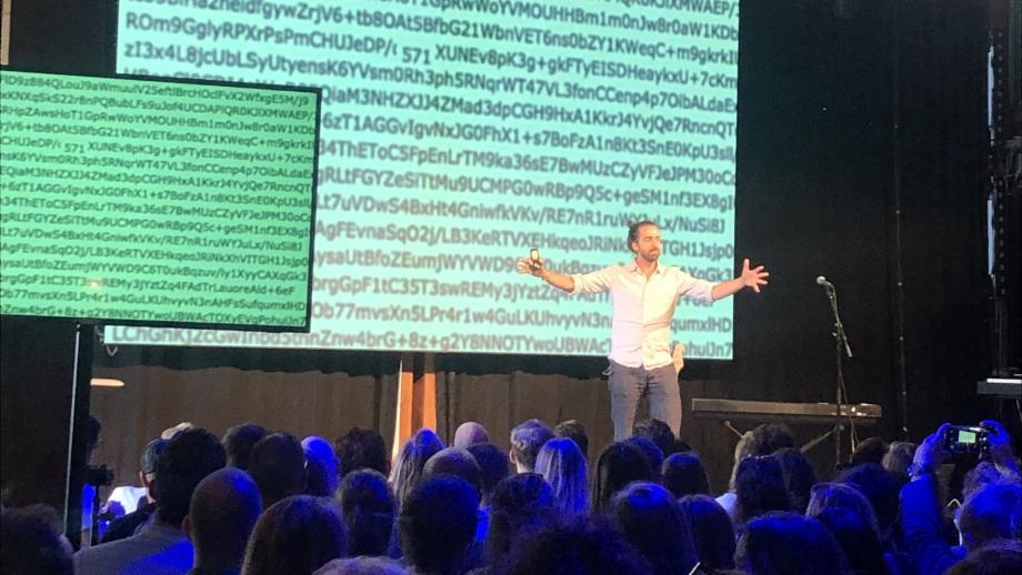Tech-journalist Jamie Bartlett tijdens Dutch Digital Day 2019