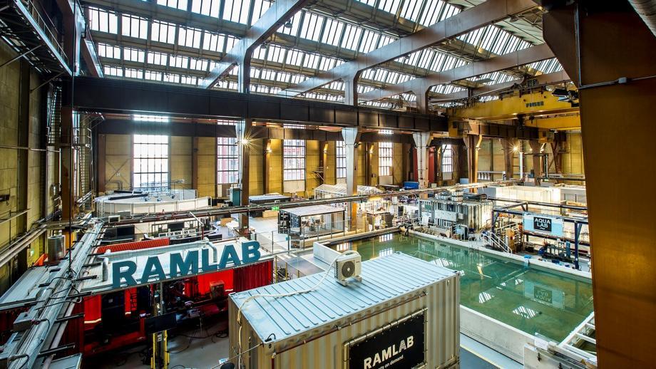 Beeld uit het Innovation Dock van de oude sacheepswerf van RDM