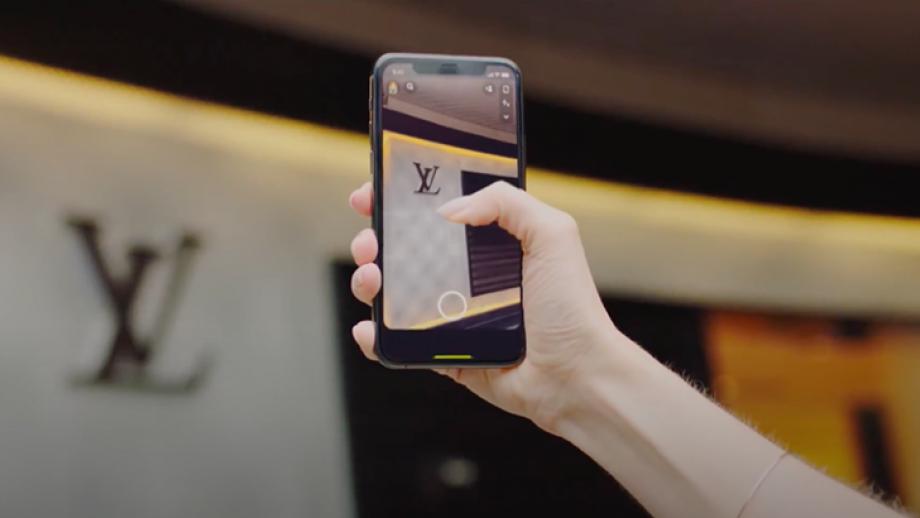 Met Snapchat's LogoScan wordt elk logo het beginpunt van een branded AR experience