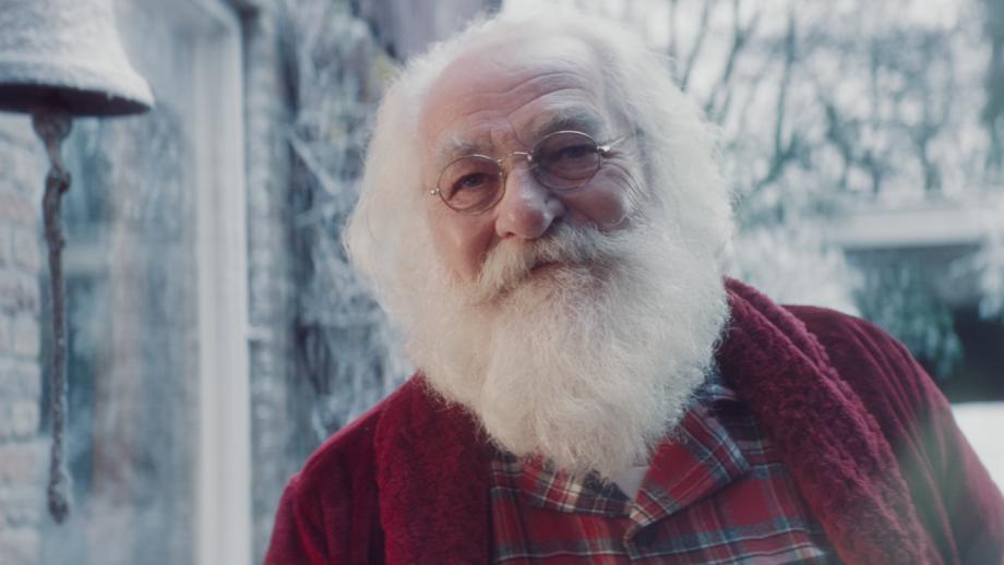 Ook Kruidvat speelt in op het sentiment met nieuwe Kerstcommercial
