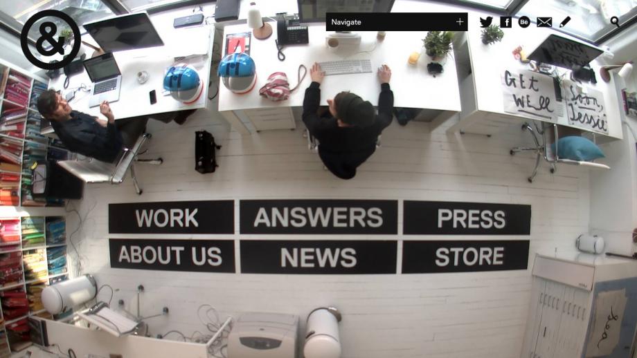De oude website van Sagmeister & Walsh, waarbij een livestream van de studiovloer diende als navigatie