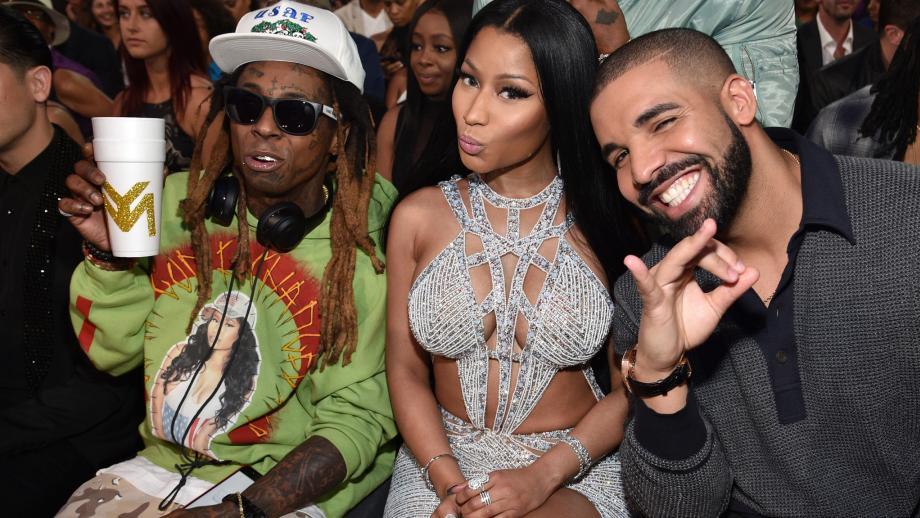 Nicki Minaj tussen Lil Wayne en Drake in