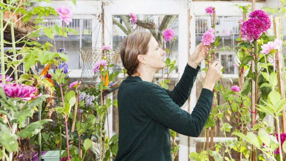 Elspeth Diederix in haar 'Studio Garden, fotografie  Stephanie Merjagnan, 4 oktober 2017