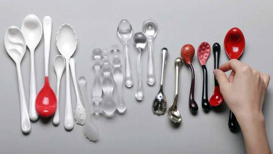Waarom consumeren we 35% meer voedsel als we met zijn tweeën eten en 75% meer als we met zijn drieën zijn?