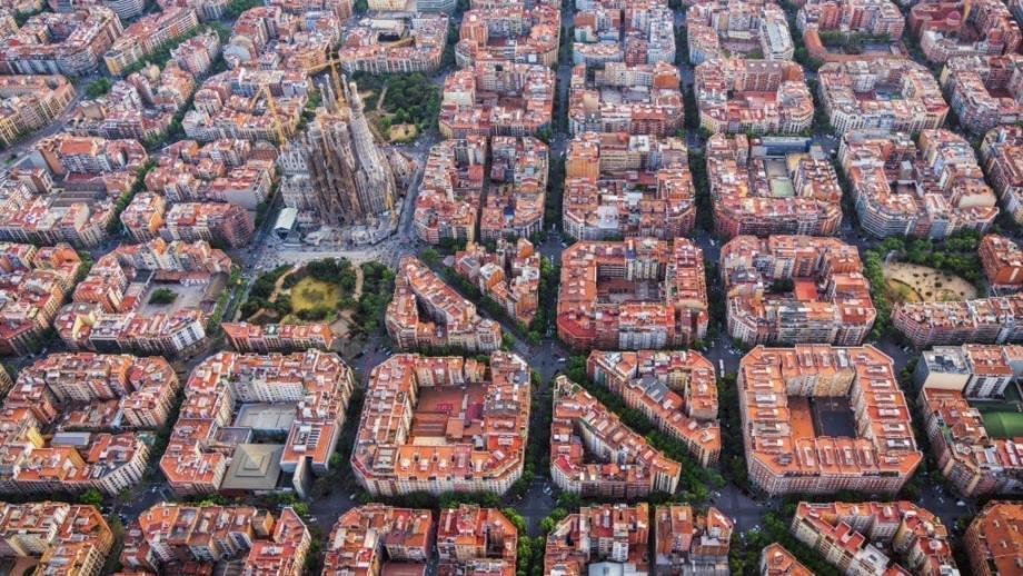 De Sagrada Família in de wijk Eixample
