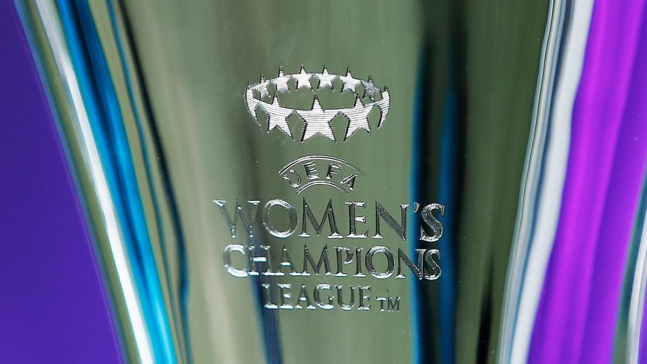 De cup met de grote oren voor vrouwen