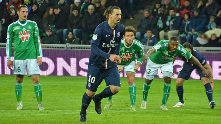 Zlatan neemt een penalty