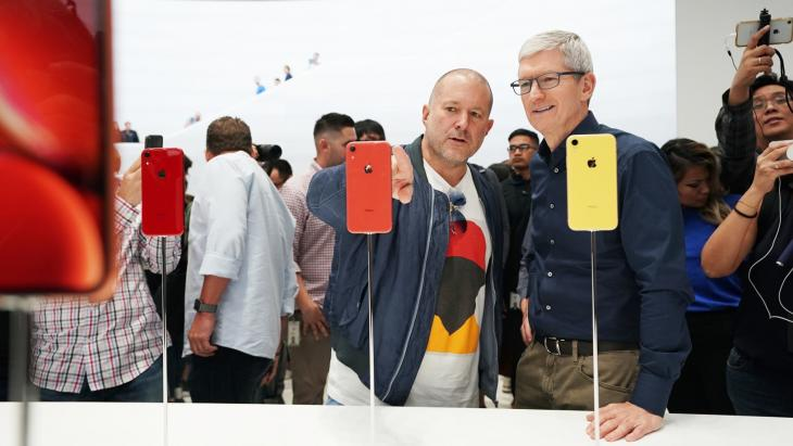 Tim Cook en Jony Ive van Apple