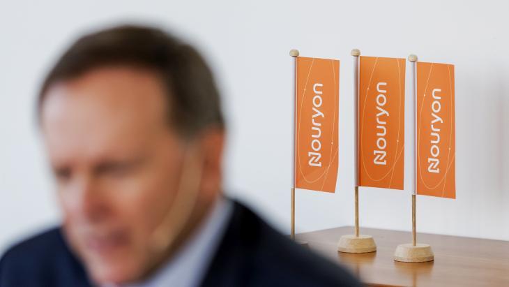 Charlie Shaver (CEO) tijdens een persconferentie over de lancering van Nouryon.