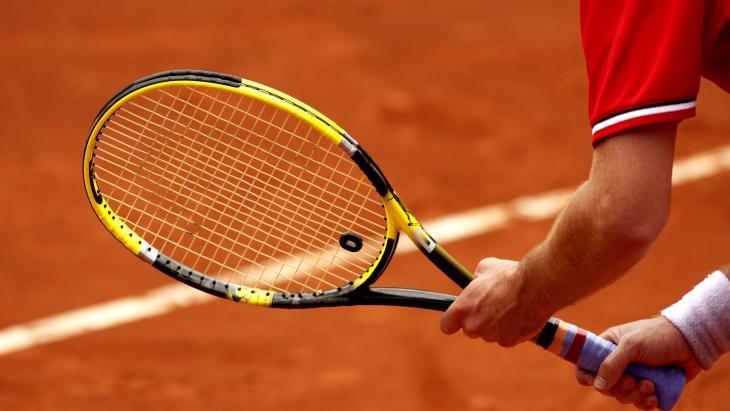 Tennisbond onder vuur.