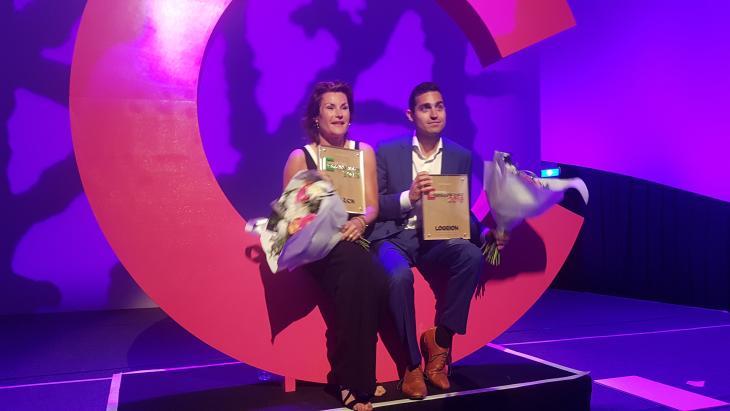 Stefan Meershoek (links) met Annette Reijersen van Buuren van het CPNB, die tot Communicatievrouw 2019 is gekozen.