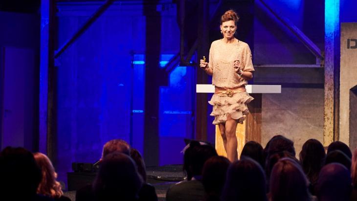 Jasmijn Rijcken tijdens haar masterclass voor de FLYERALARM Club