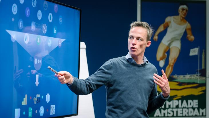 Jeroen de Koning spreker op de Google Factory