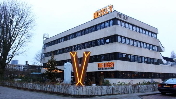Hotel V aan de Fizeaustraat