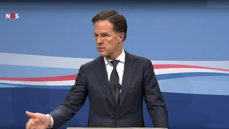 Mark Rutte tijdens de persconferentie