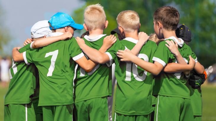 Sportkoepel NOC*NSF en zijn belangrijke financier Nederlandse Loterij gaan actief helpen de jeugdgezonder te maken.