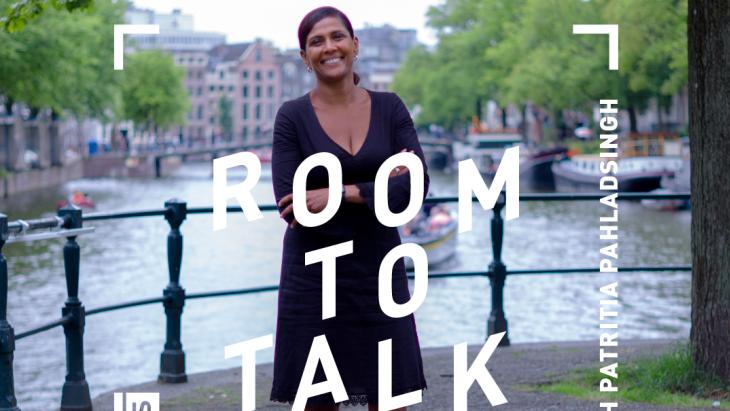 Op deze afbeelding zie je Patritia Pahladsingh van TBWA bij Room to Talk