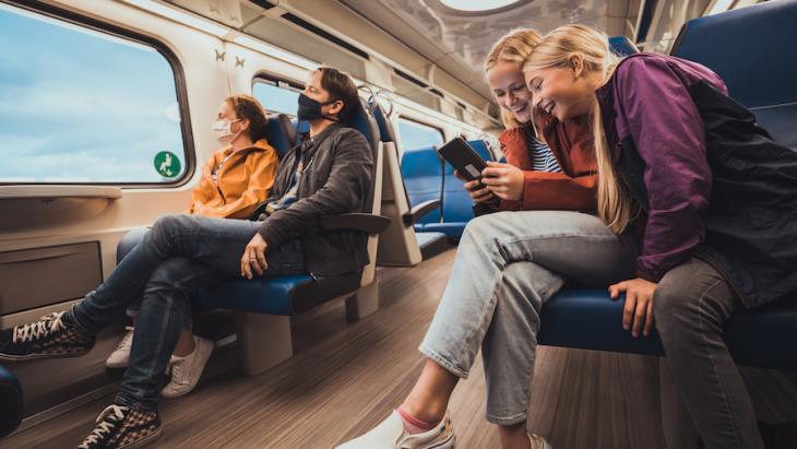 Openbaar Vervoer Nederland lanceert feelgood OV OK-campagne
