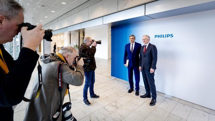 CFO Abhijit Bhattacharya en CEO Frans van Houten van Philips voorafgaand aan presentatie resultaten 2019