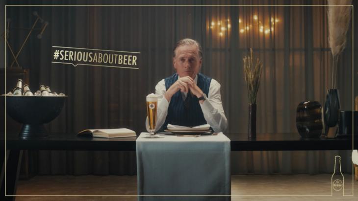Jort Kelder legt uit hoe je echt bier moet drinken