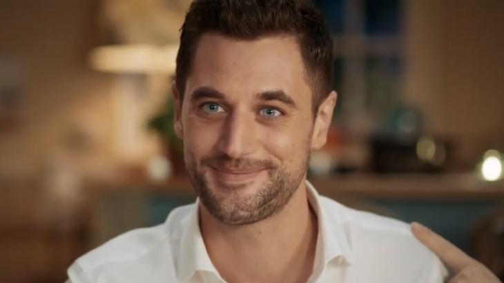 Vriendin van Ilse date Barman Victor van First Dates in nieuwe campagne Albert Heijn