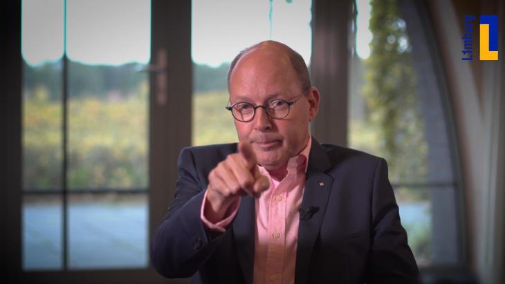 Peter Elbers, directeur L1, tijdens een videoboodschap voor het personeel