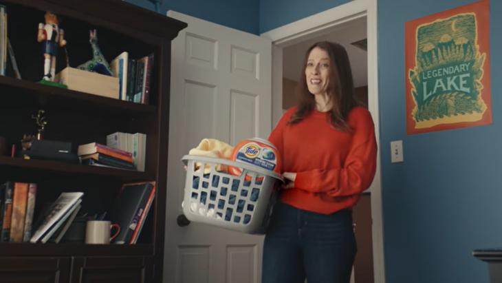 Still uit een commercial voor wasmiddel Tide