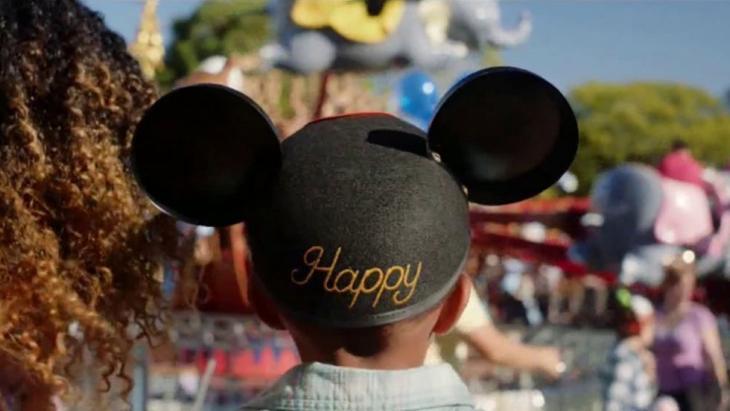 Happy met Disney