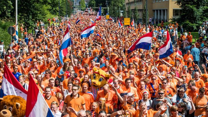 Oranjefans op straat