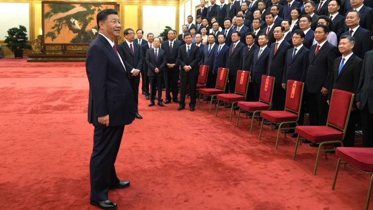 Xi erfde zijn mensengerichte benadering van zijn vader, volgens het persbericht