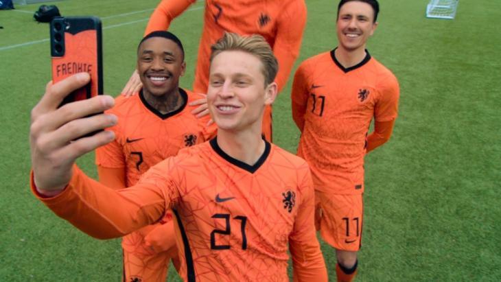 KPN en de KNVB verlengen partnerschap