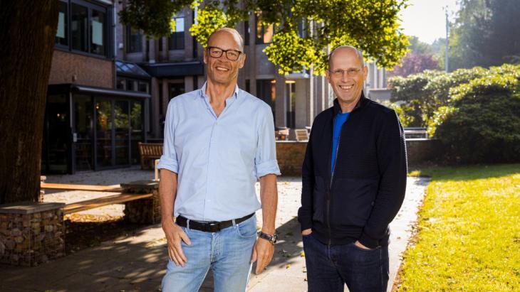 Marco Louwerens en managing director radio en televisie Paul Römer