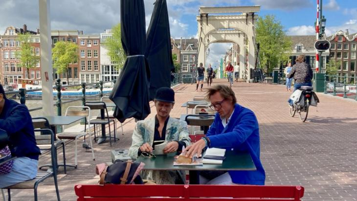 Reclamevrienden David de Winter en Rogier Cornelisse brengen samen terrassenboek uit