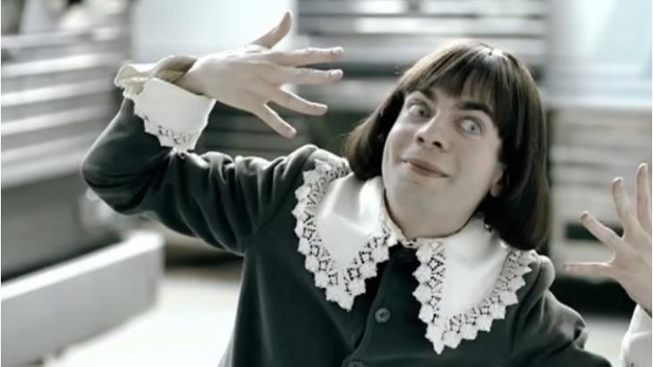 afbeelding van The Little Lad in Starburst commercial 'Berries and Cream'