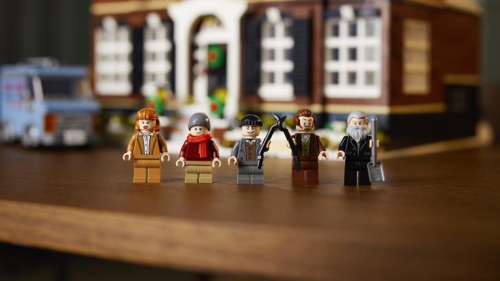 Lego poppetjes op een rij