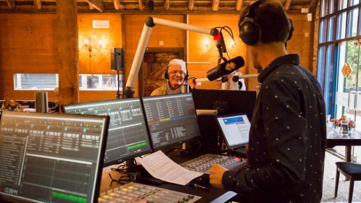 NPO Radio 5 tijdens de Evergreen Top 1000