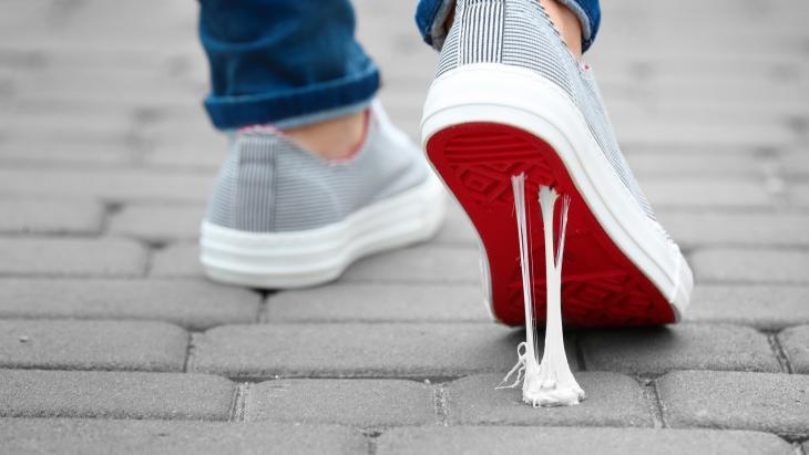 Kauwgom onder schoenzool